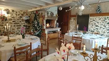 Ensemble de 3 Gîtes à la Rebière - Semaine de Noël à louer 20/24 personnes + salle et sa cuisine+ espace bien-être.