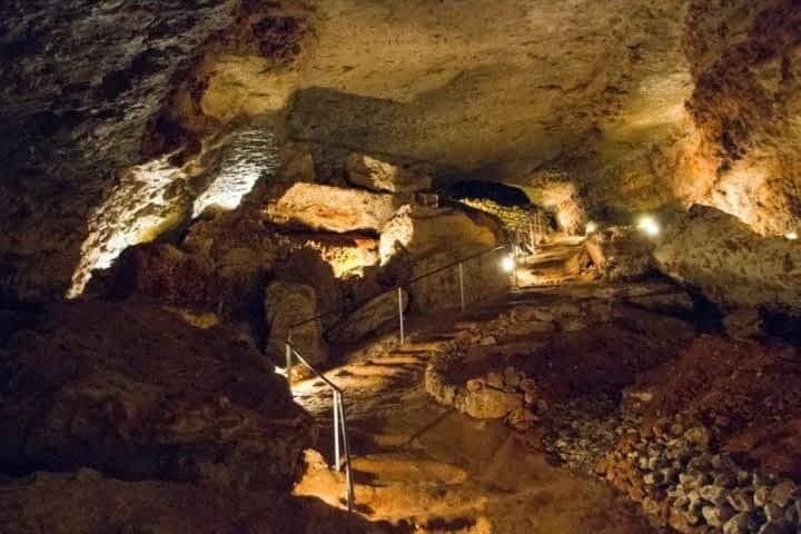 Grotte de Bara-Bahau