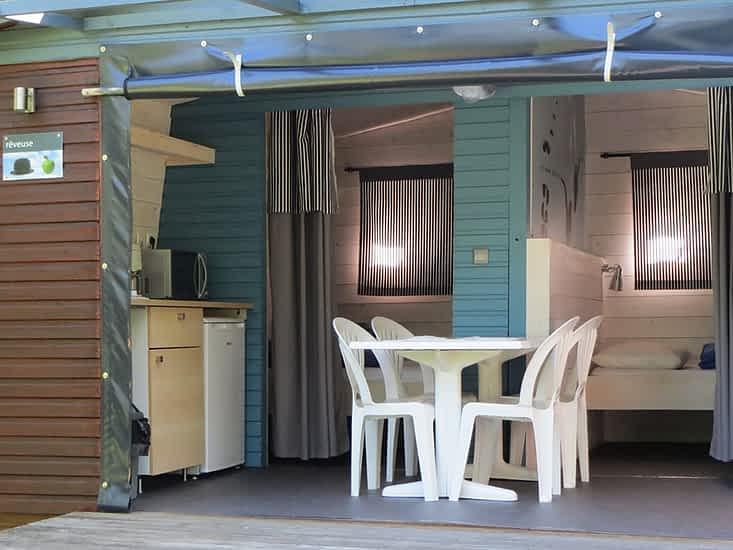 Cabane glamping pour camper différemment